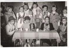 Škola Lackovce 8marec MDŽ 1970